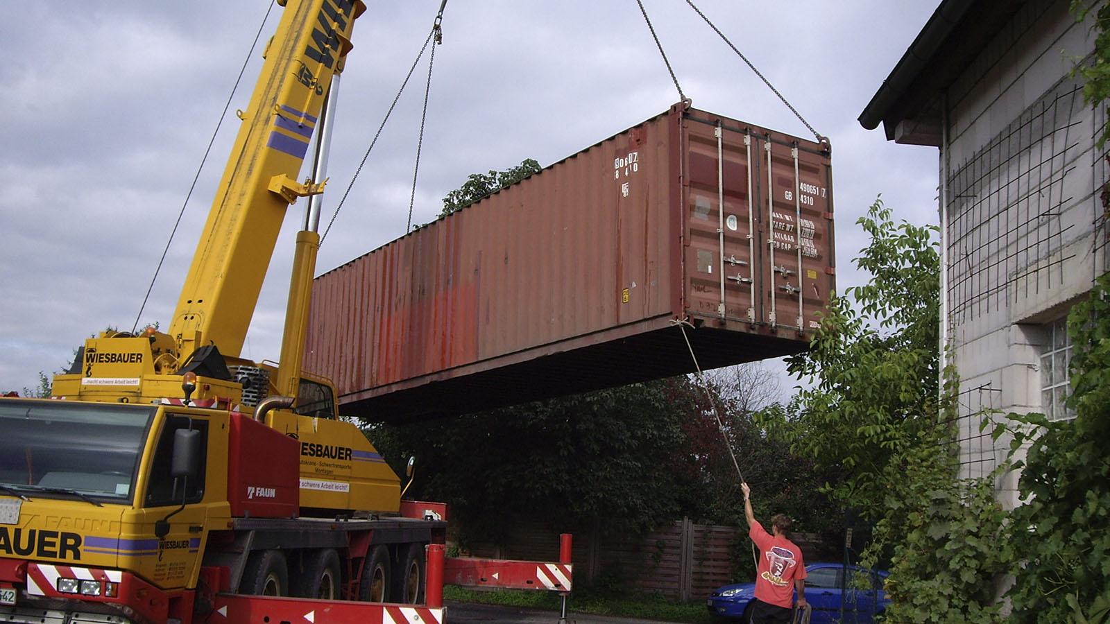 Der Container wird verladen